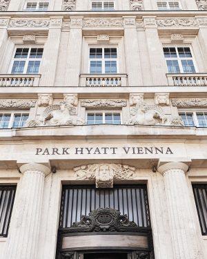 Start your city trip right. #parkhyattvienna #citycenter #viennanow #love Park Hyatt Vienna