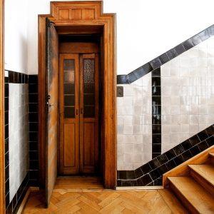 Zu Besuch in München 🇩🇪 Dieser Lift in einem denkmalgeschützten Münchner Wohnhaus ,Baujahr ...