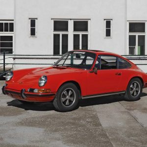 Wanna go for a ride? This 1971 Porsche 911 E was first owned by the long-time president...