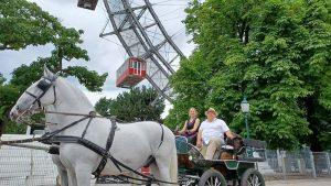 Unser Gerhard Kainz als Fahrlehrer mit einer Dame die extra aus Frankreich angereist ...