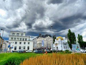 🤓🙏 #karlsplatz #wien #vienna #austria #architektur #ottowagner #secession #jugendstil #artdeco #museum #sky #bigcity #city #nature #globalfeaturehub #summerinthecity...