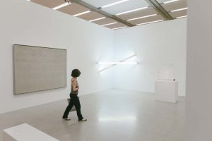 #mumokenjoy: On level 2 you will encounter the works of #CyTwombly and #DanFlavin.  The play of...