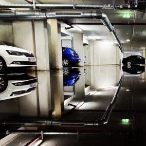 #reflectionperfection in Stadlau. Nach den starken Regenfällen letztes Wochenende stand die Garage unter ...