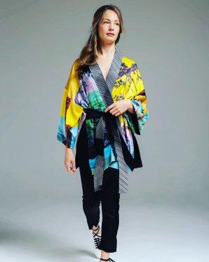 @artistafashion.official #kimono #kimonostyle #jacket #printandpattern #colours #summerfeelings #summersale #get_set_shop #bestplacestogo #localbrands #slowfashion #haveinspiration ...