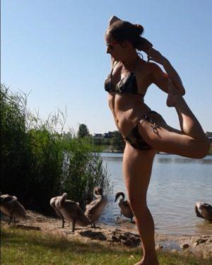 #yogapractice an meinem #kraftort... die einzelnen Positionen geben mir die Kraft, die ich ...