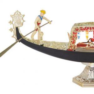 """""""Eine echte Souvenir-Ikone"""" bezeichnet Uwe Mauch die Miniatur der Gondel aus Venedig in seinem Artikel im @kurier..."""