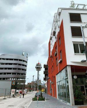 wolken, alfred und der helmut-zilk-park. #sonnwendviertel #snnwndvrtl #sonnwendviertelliebe #favoriten #wienzehn #zehnterhieb #1100wien #wien ...