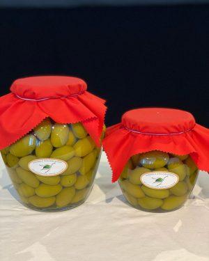 heute mal olive. groß und gut. die sammlung gibt u.a einen rosenkranz aus olivenkernen her. #consorzioditutela #volkskundemuseumwien...
