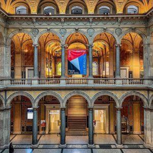 Ziua 2. Azi, Vienna Biennale. În carusel câteva imagini din expozițiile de la @mak_vienna - unul dintre...