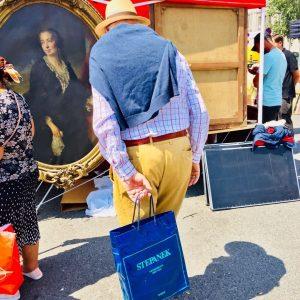 : 😎 SIR HUNTER 😎 ..........#hunter #sir #britishroyalfamily ##barock #adel #streetphotography #streetphotographers #sustainablefashion #fleamarketstyle #flohmarkt #kunsthistorischesmuseum #louvre...