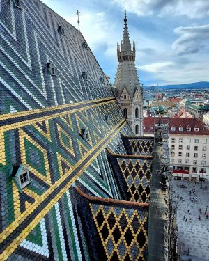 Wienliebe ❤🤍❤ . . . . . . . #Vienna #wien #Austria #österreich #wienliebe #feelaustria #visitaustria #sunday...