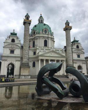#karlkirche #karlplatz #kirche #church #igreja #wien #vienna Wiener Karlskirche