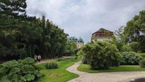 Spazieren und entdecken. #botanischerharten #belvedere #palace #architecture #wien #garten #barock #pixel5photography #pixel5 #teampixel #nofilter #nofilterneeded #gaytourism #sunday...
