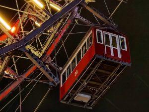 eines der bekanntesten Wahrzeichen Wiens one of the most popular landmarks of Vienna ...