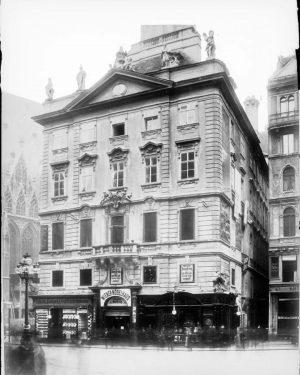 (vor 1896 und 2019/Österreichische Nationalbibliothek, Stauda/wien.gv.at) Lažanskýhaus Das ursprüngliche Haus befand sich 1527-1540 im Besitz des Niklas...