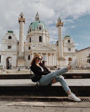 zawsze w formie do pozowania😅 #vienna Wiener Karlskirche