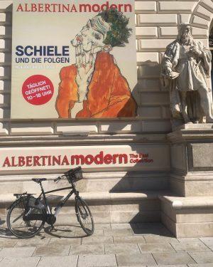 Difficile scegliere, comincio dall'ultimo inaugurato Albertina Modern. @albertinamuseum @visit_wien Albertina Modern
