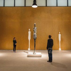 🇦🇹 Was haben Alberto Giacometti und Tracey Emin gemeinsam? 🤔 2014 zeigten wir in Kooperation mit dem...