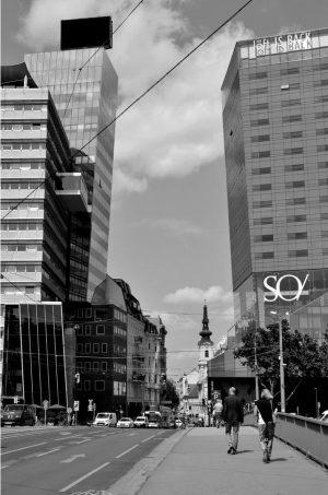 #donaukanal #schwedenbrücke #streetsofvienna #streetphotography #strassenfotografie #blackandwhitephotography #blackandwhite #schwarzundweiss #wienliebe #wien #wienblick #wiennurduallein #wienstagram ...