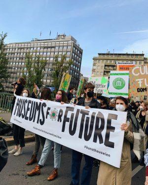 Heute in Wien und Linz gemeinsam auf der Straße mit @museumsforfuture fürs Klima und unsere Zukunft! 🌍...