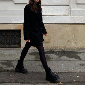 🍂 #delisalazar #delalsalazar #ootd #ootdfashion #ootdinspiration #fashioninspo #autumnoutfit #autumnlooks #fashiontrends #fashiongram #autumnstyle #blazeroutfit #blazerstyle #streetwearfashion #fashiondiaries Vienna