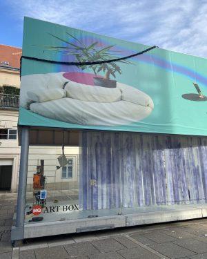 🔴 #iMQyours #MQArtBox 📍 MQ Art Box Eloquentes Stammeln 🗣️ Die Gruppeninstallation mit Arbeiten von Cäcilia Brown...