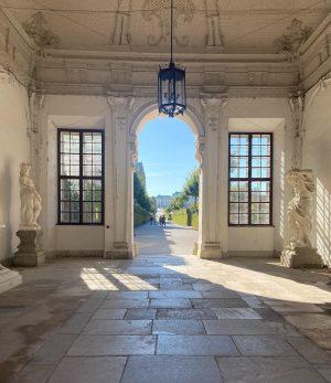 Beautiful October 1st morning 🍁☀️🍃#belvederemuseum #belvederepalace #igersviennaclassics #stadtwien #viennatouristboard #wien #wiengo #wienliebe #wienstagram ...