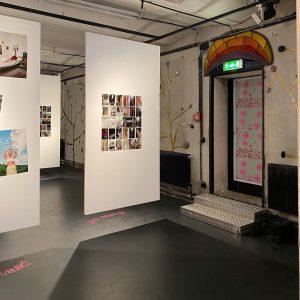 UNDER THE MUSHROOMS 🍄☔️ Auch an Regentagen bleibt es in unserer Garagenausstellung @underthemushrooms_ trocken! Bis 7. Oktober...